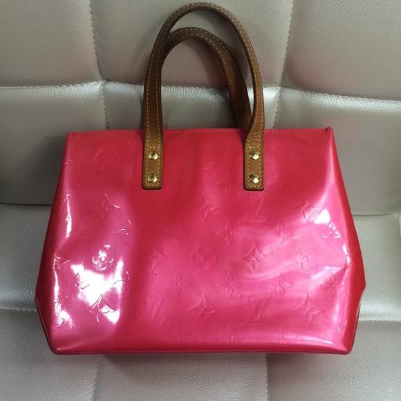 75685f8dded1 Louis Vuitton Handbags - Louis Vuitton framboise Vernis pink reade pm purse